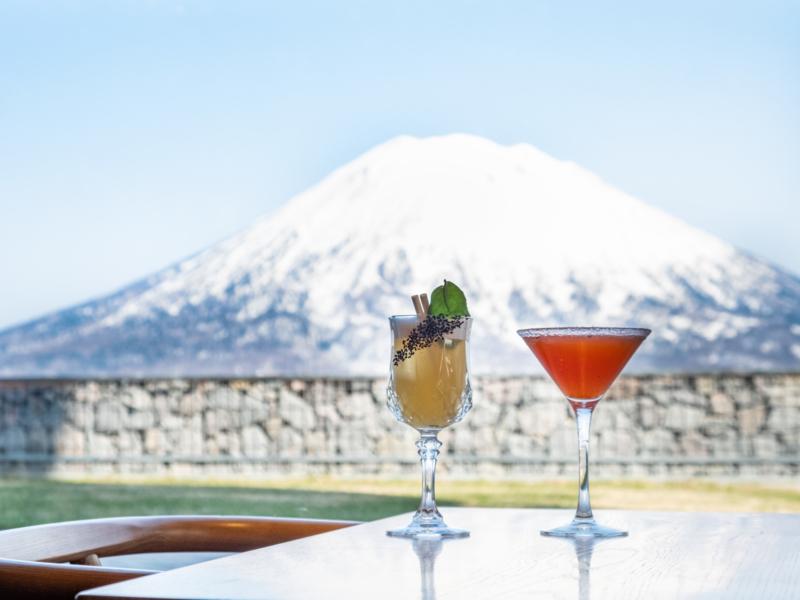 Cocktails In Kumo Window Lr 3532