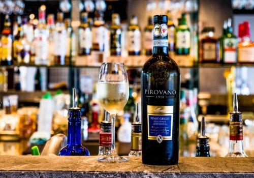 Free Flow Drinks Summer 2019 White Wine Pinot Grigio LR