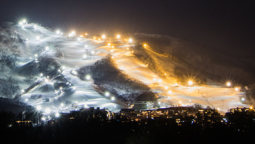 Night Ski Lights Grand Hirafu 01 24 18 4