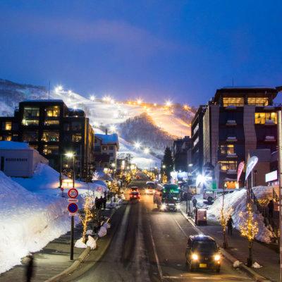 ひらふ坂からスキー場を望む
