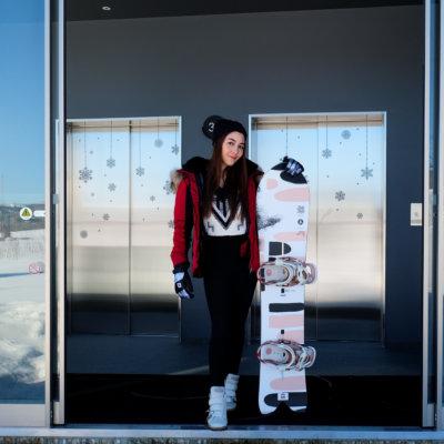 Thai actress Woonsen with her YamaSport premium rental equipment at Skye Niseko