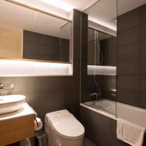2 Bedroom East View Bathroom