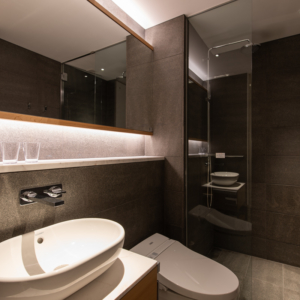 Skye Niseko 3 Bedroom Interior Bathroom Low Res 1