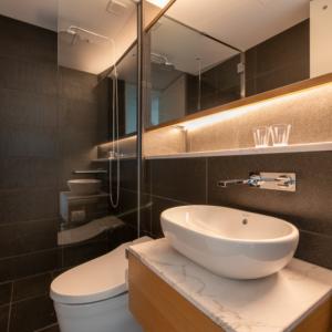 662/663/665 Bathroom