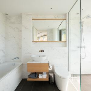 4 Bedroom Bathroom