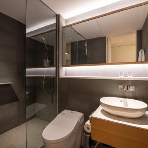 659 Studio Bathroom