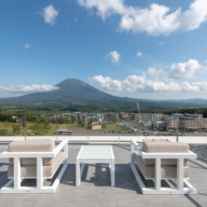 Skye Niseko Yotei West Penthouse Balcony Low Res 4